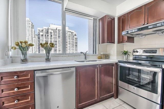 Condo Apartment at 35 Hollywood Ave, Unit 1019, Toronto, Ontario. Image 19
