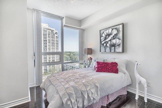 Condo Apartment at 35 Hollywood Ave, Unit 1019, Toronto, Ontario. Image 8