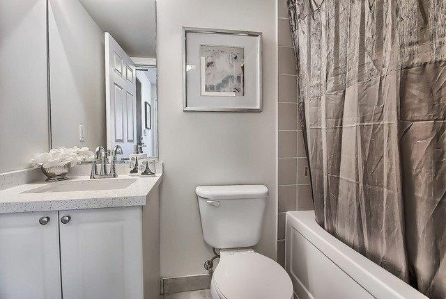 Condo Apartment at 35 Hollywood Ave, Unit 1019, Toronto, Ontario. Image 9