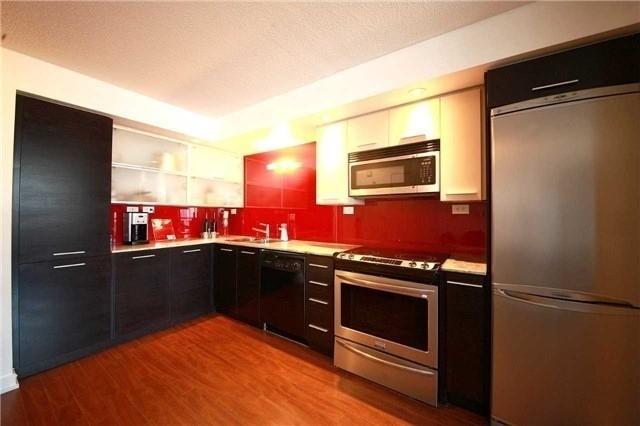 Condo Apartment at 8 Telegram Mews, Unit 1706, Toronto, Ontario. Image 5