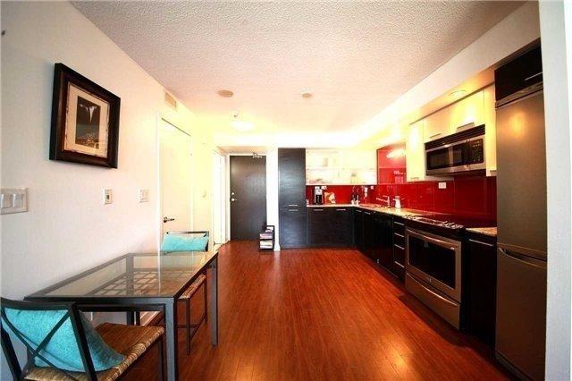 Condo Apartment at 8 Telegram Mews, Unit 1706, Toronto, Ontario. Image 7