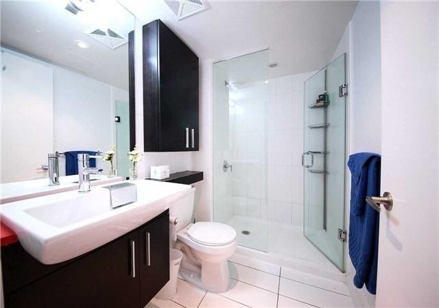Condo Apartment at 8 Telegram Mews, Unit 1706, Toronto, Ontario. Image 8