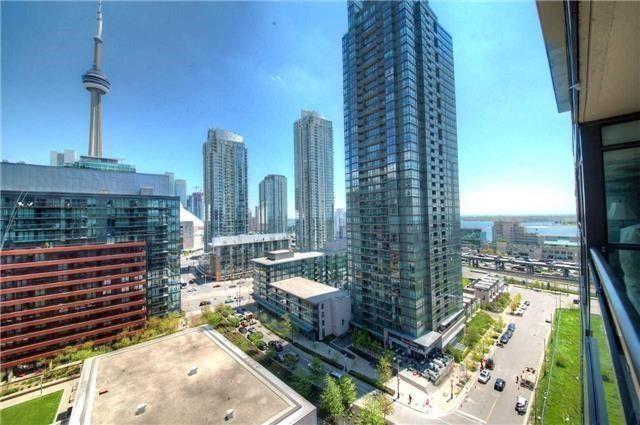 Condo Apartment at 8 Telegram Mews, Unit 1706, Toronto, Ontario. Image 4