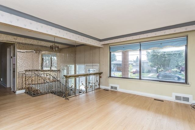 Detached at 116 Baycrest Ave, Toronto, Ontario. Image 8