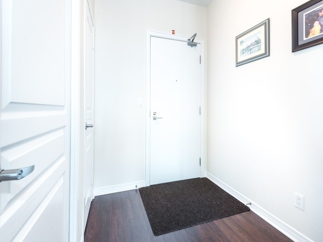Condo Apartment at 352 Front St W, Unit 1107, Toronto, Ontario. Image 16