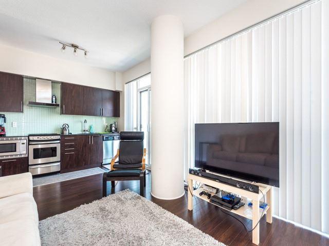 Condo Apartment at 352 Front St W, Unit 1107, Toronto, Ontario. Image 18