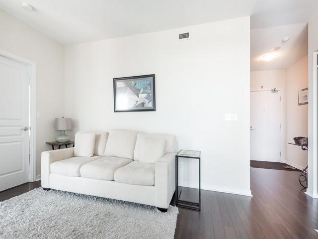 Condo Apartment at 352 Front St W, Unit 1107, Toronto, Ontario. Image 20