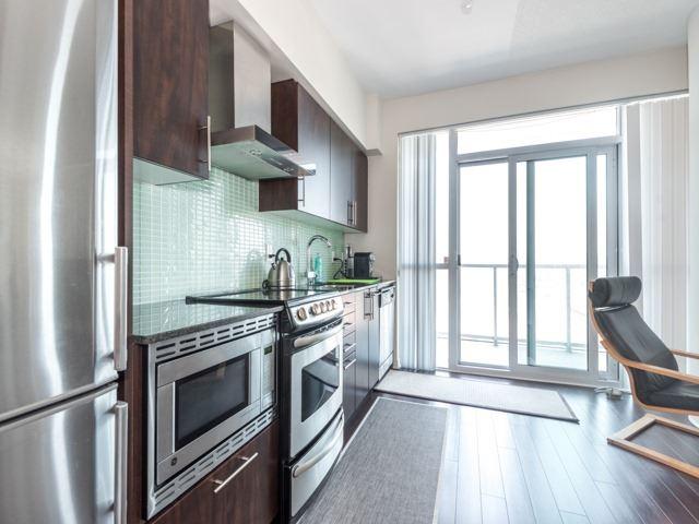 Condo Apartment at 352 Front St W, Unit 1107, Toronto, Ontario. Image 2