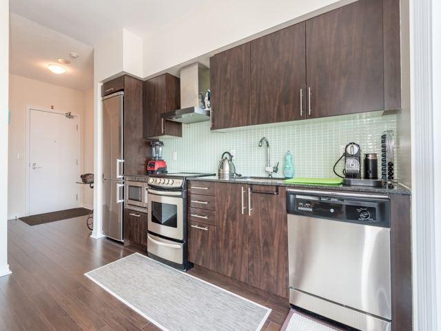 Condo Apartment at 352 Front St W, Unit 1107, Toronto, Ontario. Image 3