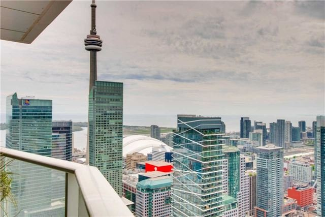 Condo Apartment at 180 University Ave, Unit 5302, Toronto, Ontario. Image 13