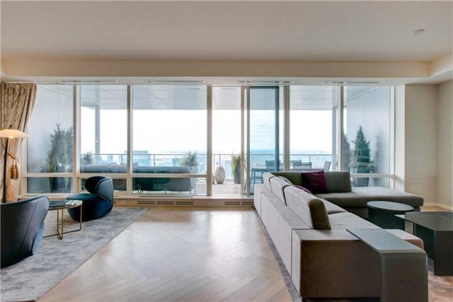Condo Apartment at 180 University Ave, Unit 5302, Toronto, Ontario. Image 14