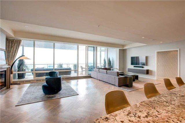 Condo Apartment at 180 University Ave, Unit 5302, Toronto, Ontario. Image 4