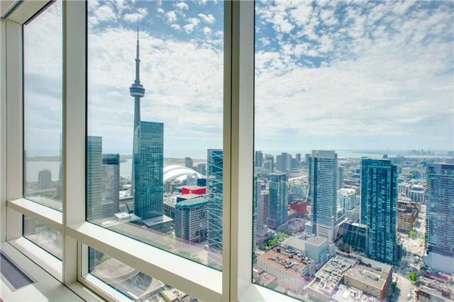 Condo Apartment at 180 University Ave, Unit 5302, Toronto, Ontario. Image 9