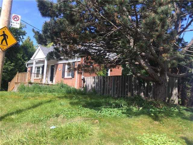 Detached at 198 Glendora Ave, Toronto, Ontario. Image 2