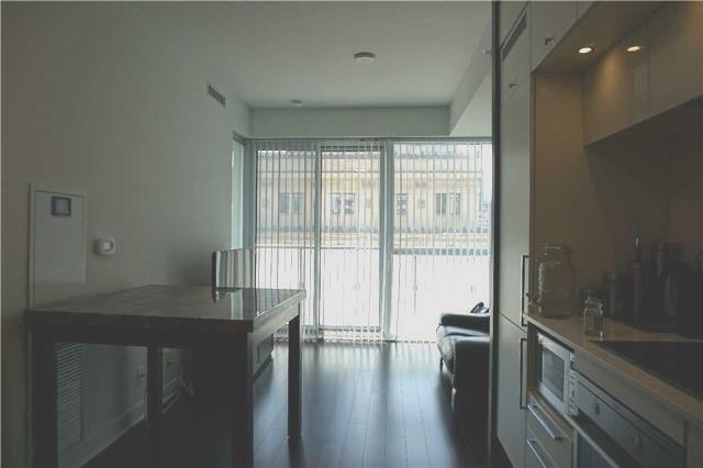 Condo Apartment at 15 Grenville St, Unit 801, Toronto, Ontario. Image 5