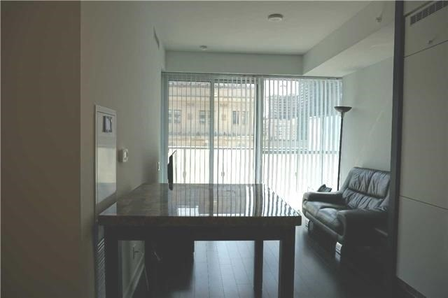 Condo Apartment at 15 Grenville St, Unit 801, Toronto, Ontario. Image 6