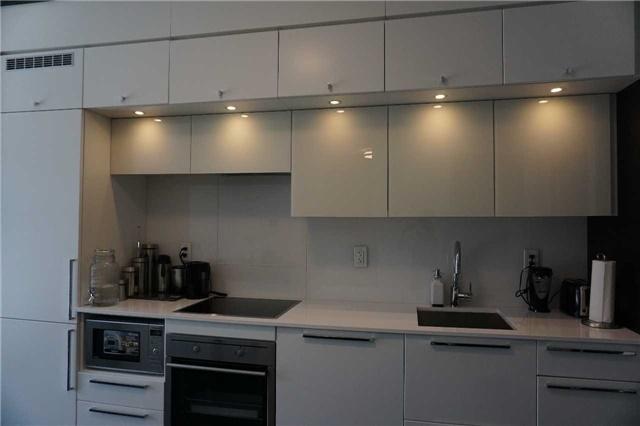 Condo Apartment at 15 Grenville St, Unit 801, Toronto, Ontario. Image 10