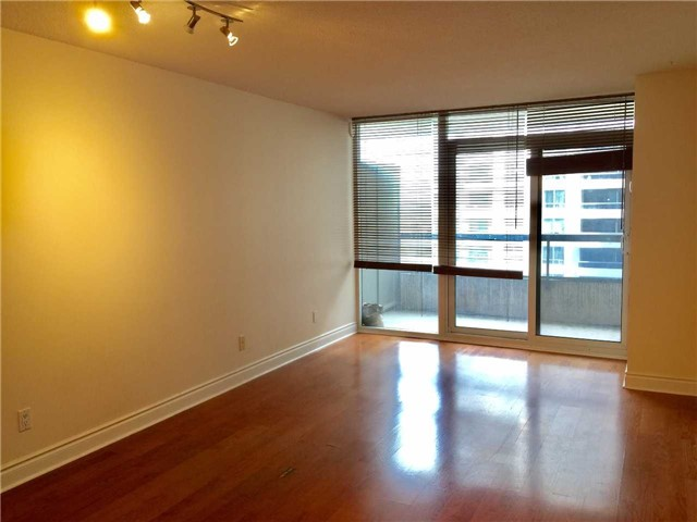 Condo Apartment at 5 Northtown Way, Unit 1508, Toronto, Ontario. Image 9