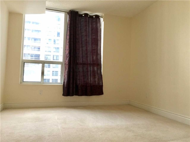 Condo Apartment at 5 Northtown Way, Unit 1508, Toronto, Ontario. Image 14