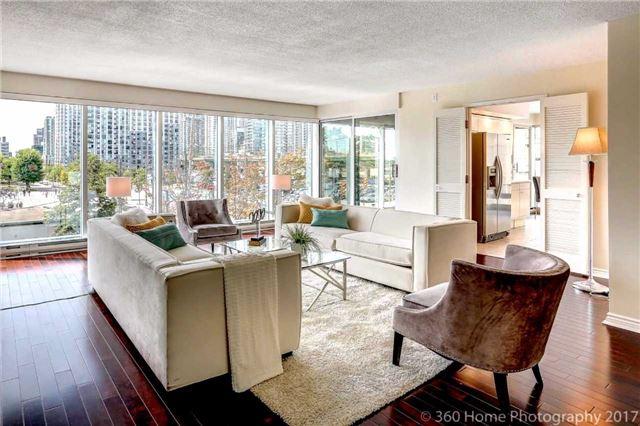 Condo Apartment at 251 Queens Quay W, Unit 304, Toronto, Ontario. Image 16
