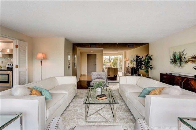 Condo Apartment at 251 Queens Quay W, Unit 304, Toronto, Ontario. Image 17