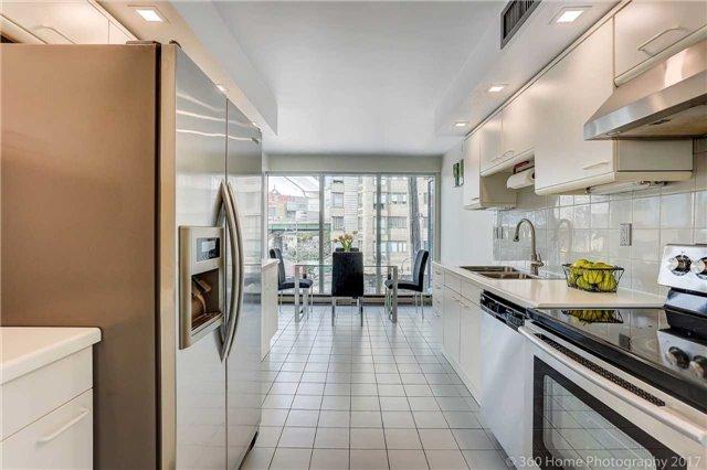 Condo Apartment at 251 Queens Quay W, Unit 304, Toronto, Ontario. Image 20