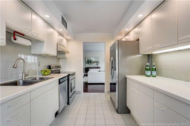 Condo Apartment at 251 Queens Quay W, Unit 304, Toronto, Ontario. Image 2