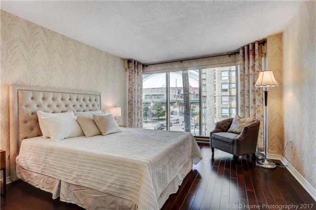 Condo Apartment at 251 Queens Quay W, Unit 304, Toronto, Ontario. Image 3