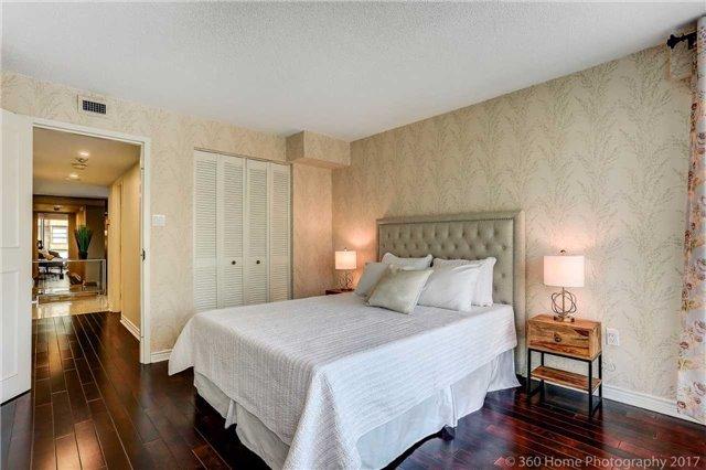Condo Apartment at 251 Queens Quay W, Unit 304, Toronto, Ontario. Image 4