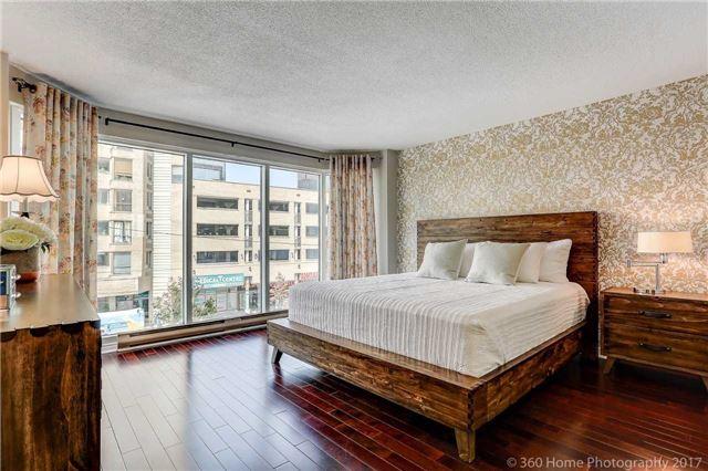 Condo Apartment at 251 Queens Quay W, Unit 304, Toronto, Ontario. Image 5