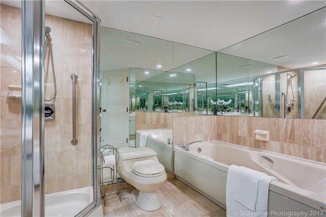 Condo Apartment at 251 Queens Quay W, Unit 304, Toronto, Ontario. Image 8