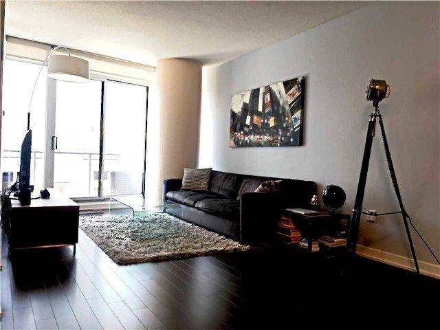 Condo Apartment at 8 Telegram Mews, Unit #823, Toronto, Ontario. Image 5