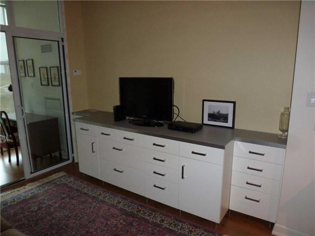 Condo Apartment at 380 Macpherson Ave, Unit 426, Toronto, Ontario. Image 20