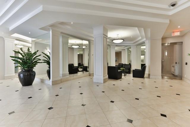Condo Apartment at 801 King St W, Unit 416, Toronto, Ontario. Image 9