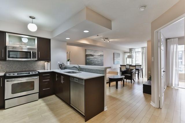 Condo Apartment at 801 King St W, Unit 416, Toronto, Ontario. Image 10