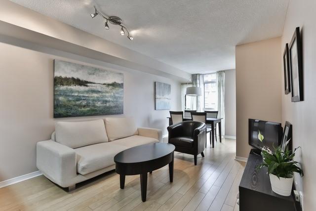Condo Apartment at 801 King St W, Unit 416, Toronto, Ontario. Image 13