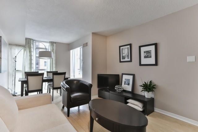 Condo Apartment at 801 King St W, Unit 416, Toronto, Ontario. Image 14