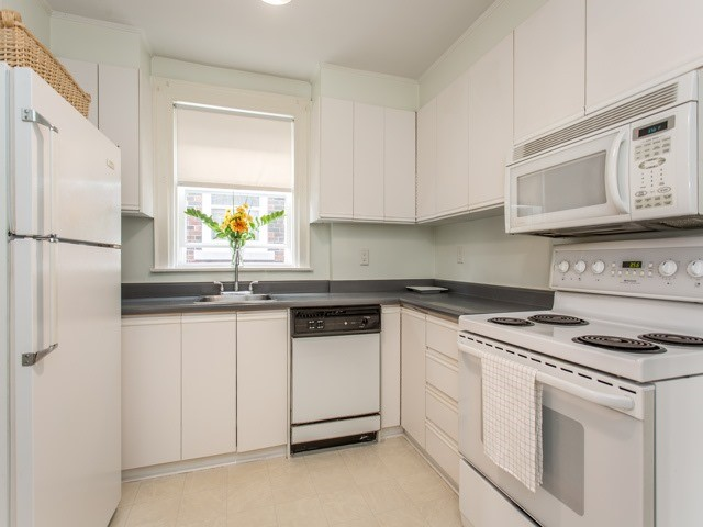 Detached at 378 St Clements Ave, Toronto, Ontario. Image 17