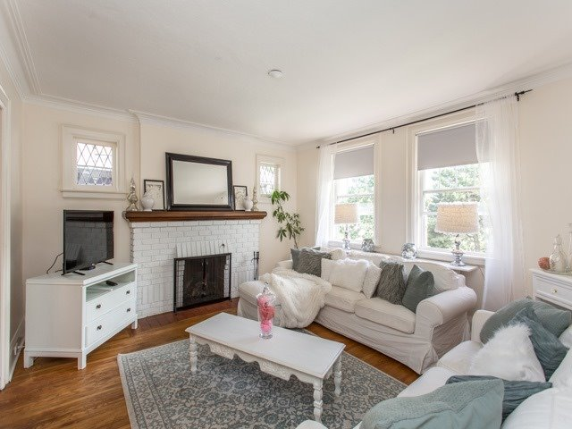 Detached at 378 St Clements Ave, Toronto, Ontario. Image 5