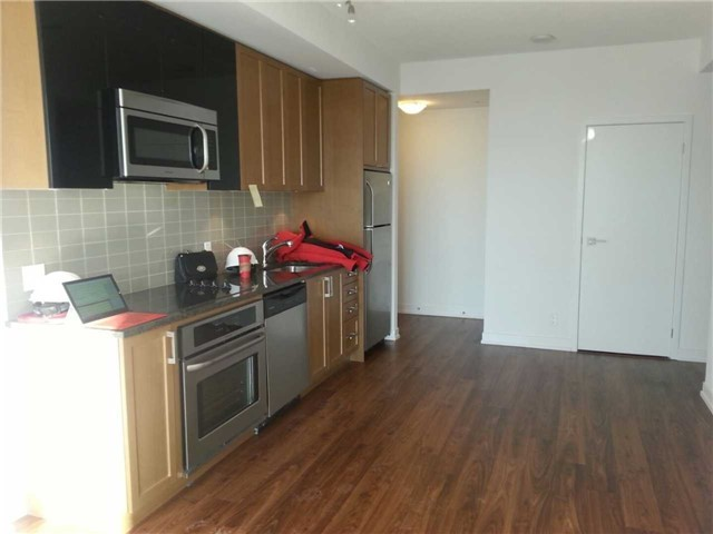 Condo Apartment at 89 Dunfield Ave, Unit 1901, Toronto, Ontario. Image 8