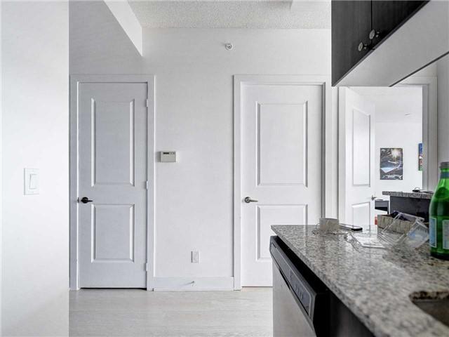 Condo Apartment at 68 Merton St, Unit 1306, Toronto, Ontario. Image 9