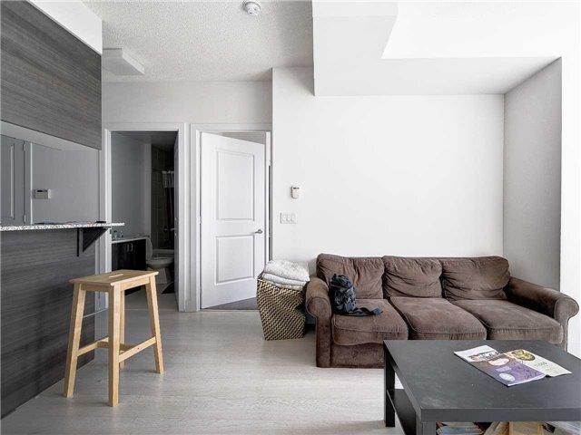 Condo Apartment at 68 Merton St, Unit 1306, Toronto, Ontario. Image 11