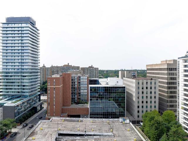 Condo Apartment at 68 Merton St, Unit 1306, Toronto, Ontario. Image 2