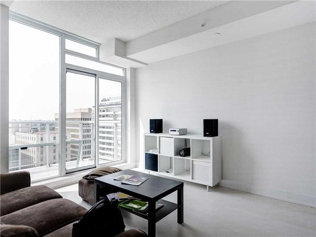 Condo Apartment at 68 Merton St, Unit 1306, Toronto, Ontario. Image 4