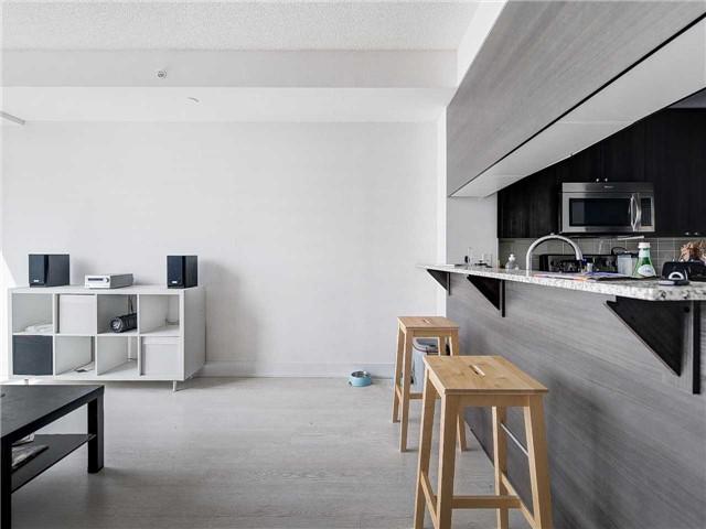 Condo Apartment at 68 Merton St, Unit 1306, Toronto, Ontario. Image 5