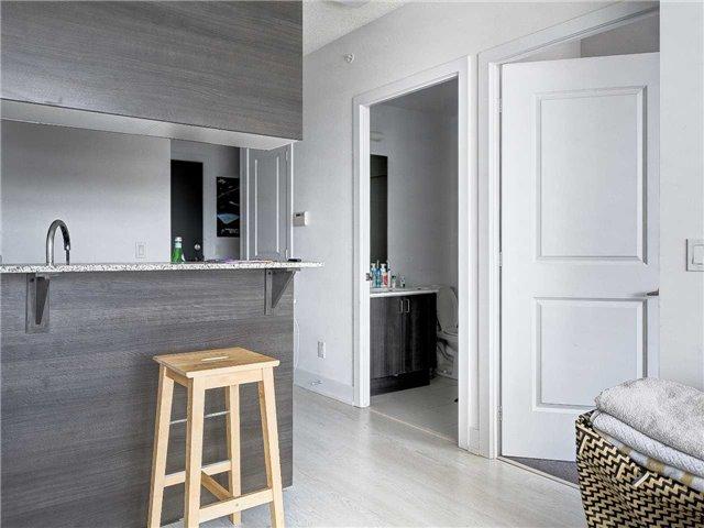 Condo Apartment at 68 Merton St, Unit 1306, Toronto, Ontario. Image 6