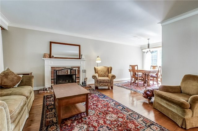 Detached at 43 Elynhill Dr, Toronto, Ontario. Image 15