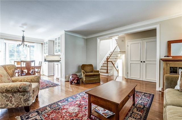 Detached at 43 Elynhill Dr, Toronto, Ontario. Image 16