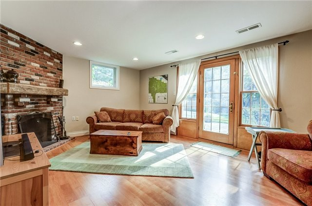 Detached at 43 Elynhill Dr, Toronto, Ontario. Image 11