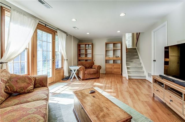 Detached at 43 Elynhill Dr, Toronto, Ontario. Image 13